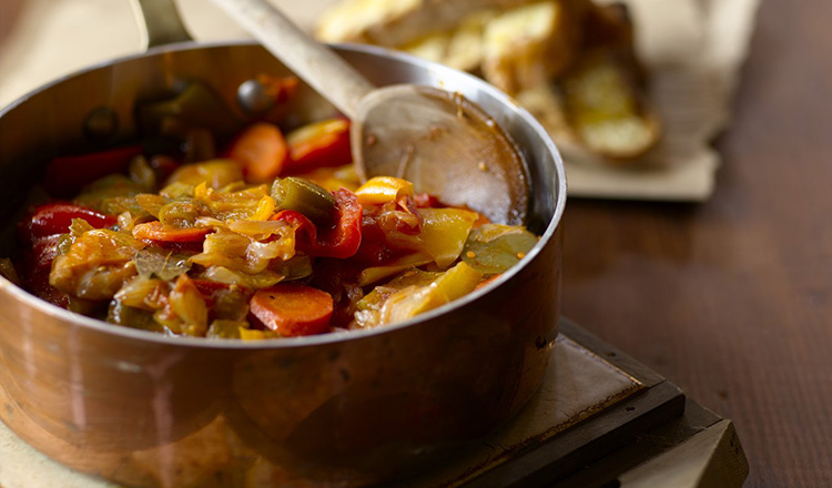 Pepperonata Provera e Pigra-Poor and Lazy Stewed Peppers