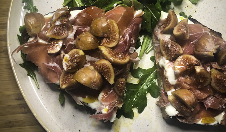 Sweet and Spicy Ricotta Toast with Figs